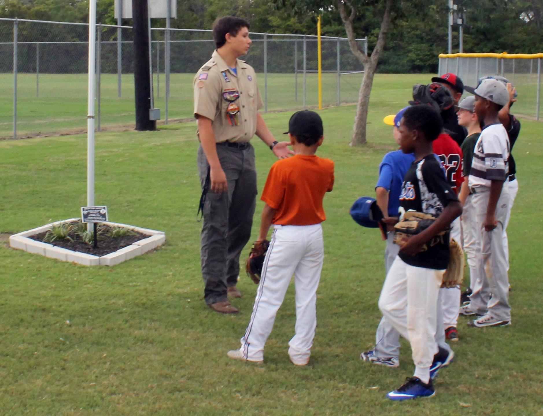 Boy_Scout_Eagle_Scout_Harris_Cast_Aluminum_6x8_Plaque_Stake_Mount_7-1.jpg
